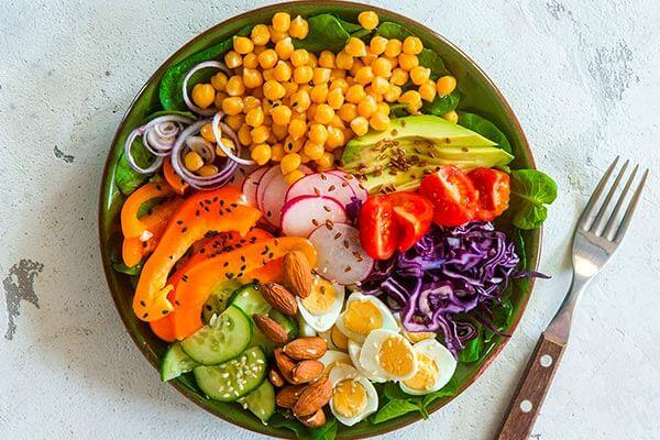 سبزیجات و لبنیات و تخم مرغ را به صورت روزانه مصرف کنید